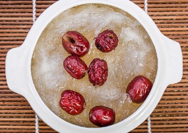 Cách làm món tổ yến sào chưng táo đỏ