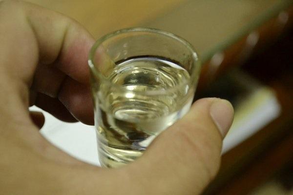 Cách ngâm rượu tổ yến